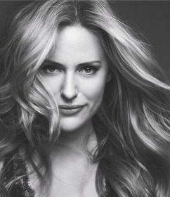 How To Book Aimee Mullins for Keynote Speech