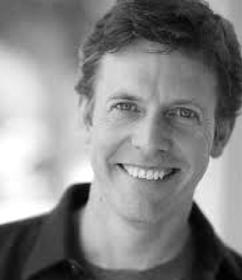 Erik Stolhanske : Comedian Actor