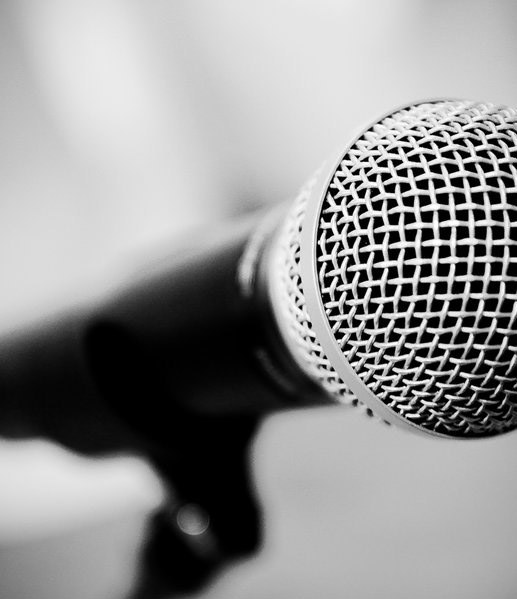 Five Reasons To Use A Speakers Bureau To Book Keynote Speakers